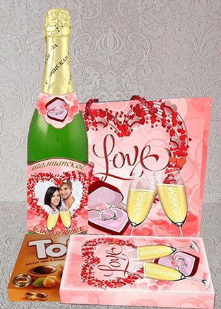Шокобокс и этикетка на шампанское - С Днем Влюбленных